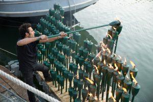 144 flambeaux de jardin, éthanol bio, bois, cubes flottants, sangles, cordes 400cm x 180cm x 140cm